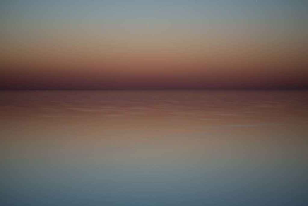 Colour horizon